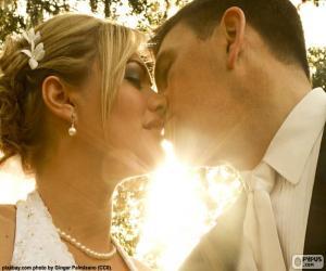 Puzle A noiva e o noivo beijo