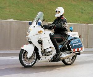 Puzle Agente da polícia motorizada com sua motocicleta