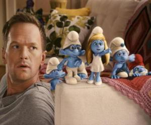Puzle Alguns dos Smurfs pelo homem que os ajuda a voltar