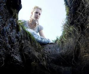 Puzle Alice (Mia Wasikowska) para cair no buraco do coelho vai torná-lo um país das maravilhas