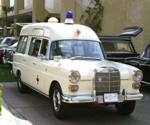 Puzle antiga ambulância