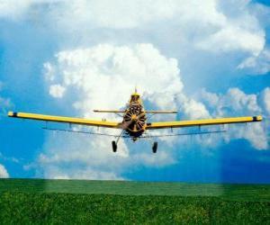 Puzle Aviões de pulverização de um campo