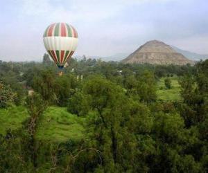 Puzle Balão na paisagem com passageiros