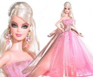 Puzle Barbie em um vestido rosa