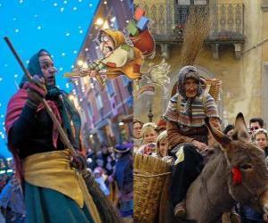 Puzle Befana é uma mulher velha sorrindente voando em uma vassoura carregando doces ou carvão para as crianças na Itália
