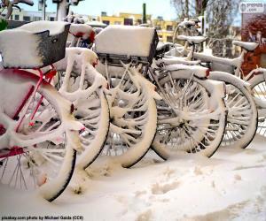 Puzle Bicicletas no inverno