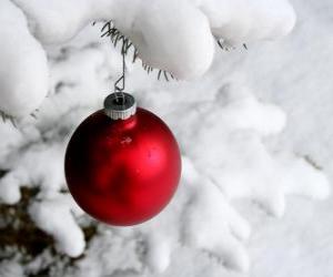 Puzle Bola Natal pendurados em árvore