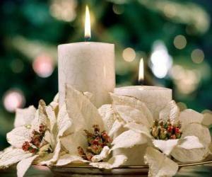 Puzle Central com duas velas e flores brancas