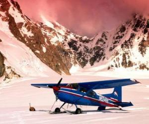 Puzle Cessna 185 na neve