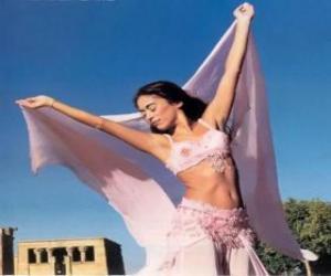 Puzle Dançarina profissional dançando durante um desempenho