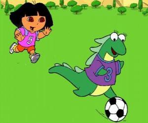 Puzle Dora jogando futebol com sua amiga Isa a iguana