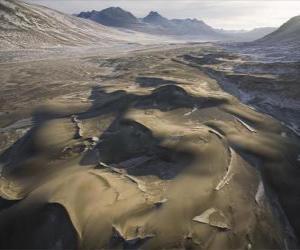 Puzle dunas de areia congelada em Victoria Vale