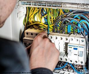 Puzle Eletricista quadro de distribuição