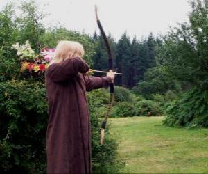 Puzle Elfo caçador armado com arco e flecha pronto para disparar