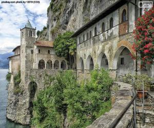 Puzle Eremitério do século de Santa Caterina del Sasso, Itália