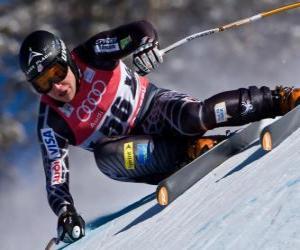 Puzle Esquiador alpino praticando um downhill