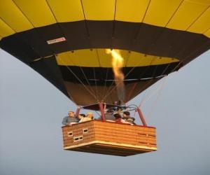 Puzle Família voando em aeróstato