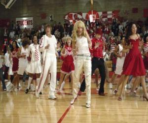 Puzle Gabriella Montez (Vanessa Hudgens) Troy Bolton (Zac Efron), Ryan Evans (Lucas Grabeel), Sharpay Evans (Ashley Tisdale) dançando e cantando