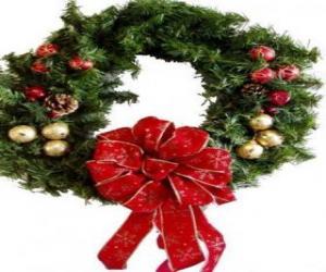 Puzle Guirlanda de Natal decorada com uma fita larga e bolas