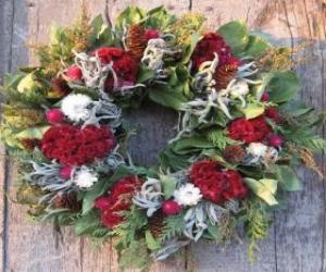 Puzle Guirlanda de Natal feita de elementos de várias plantas