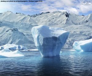 Puzle Iceberg perto da beira-mar