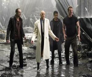 Puzle Industrial milionário Lex Luthor, que inveja e ódio de morte, o principal vilão. Ele se tornou presidente dos Estados Unidos.