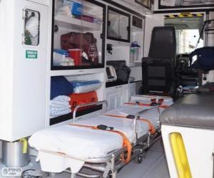 Puzle Interior de uma ambulância