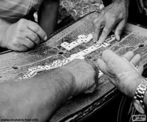 Puzle Jogando dominó