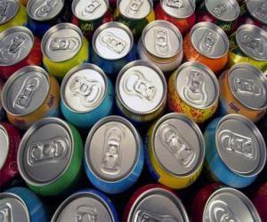 Puzle Latas de bebidas como cerveja ou refrescos com gás