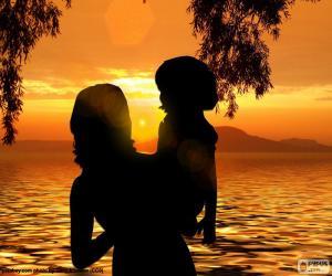 Puzle Mãe com seu filho em seus braços