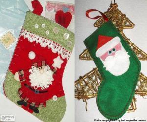 Puzle Meias de Natal decorados com Papai Noel