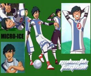 Puzle Micro-Ice é o coringa da equipe de Snow Kids, tem o número 3