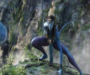 Puzle Neytiri um na'vi, uma raça de humanóides do planeta Pandora, com uma longa cauda