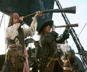 Puzle O capitão do navio pirata assiste a outro navio com o telescópio