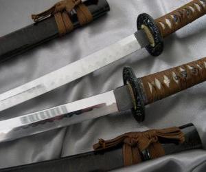 Puzle O Katana é uma sabre e sua lâmina é ligeiramente curva