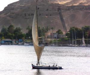 Puzle O rio Nilo é o maior rio da África, passando pelo Egito