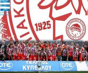 Puzle Olympiacos Piraeus, campeão Super Liga 2011-2012, Liga de futebol grego