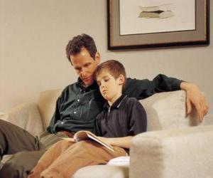 Puzle Papai ajudando seu filho a ler