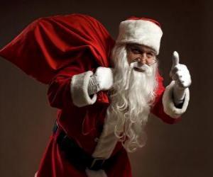 Puzle Papai Noel carregando o saco de brinquedos e andando furtivamente
