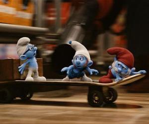 Puzle Papai Smurf, Gênio y Smurf Brave and skateboarding escapar Gargamel
