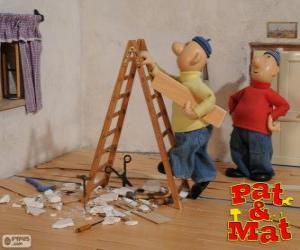 Puzle Pat e Mat fazendo trabalho