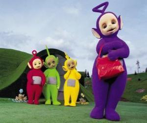 Puzle Po, Laa-Laa, Dipsy e Tinky Winky, com o seu saco vermelho na frente de sua casa
