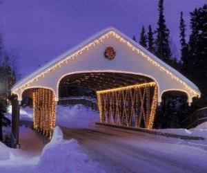 Puzle Ponte coberta, decorada para o Natal