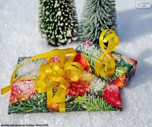 Puzle Presentes com fita amarela