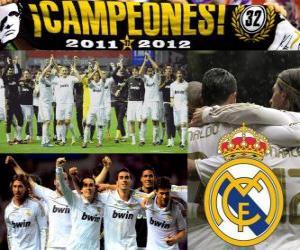 Puzle Real Madrid, campeão da Liga espanhola de futebol 2011-2012