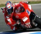 Casey Stoner pilota seu moto GP