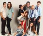 Retrato da família com avós, pais e netos