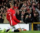 Cristiano Ronaldo comemorando um gol, quando ele jogou pelo Manchester United