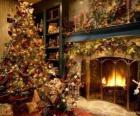 Lareira no Natal com as decorações do Natal