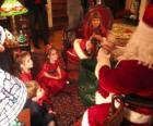 Criança falando com Papai Noel